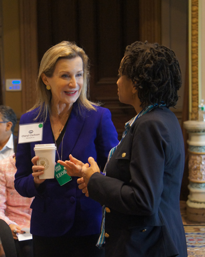 Cheryl_talking_to_guest_at_WHite_House_Oct_2014